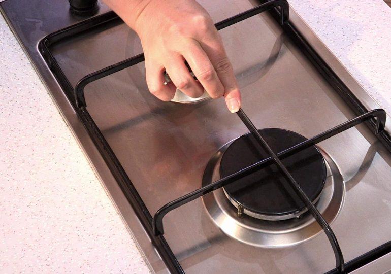 Как очистить решетку на газовой плите от нагара и жира?